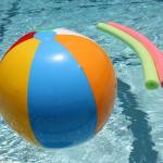 préparer une fête autour de la piscine