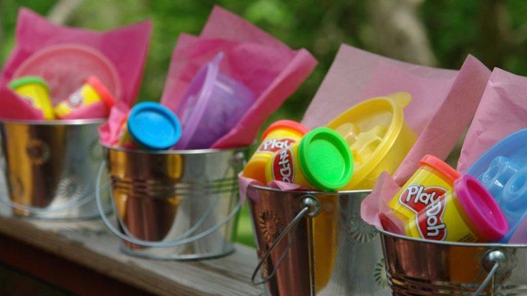 Idées de petits cadeaux à offrir aux invités d'un anniversaire enfant